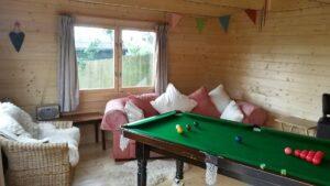 Snooker-Zimmer im Garten Ian A (Gartenhaus aus Holz)