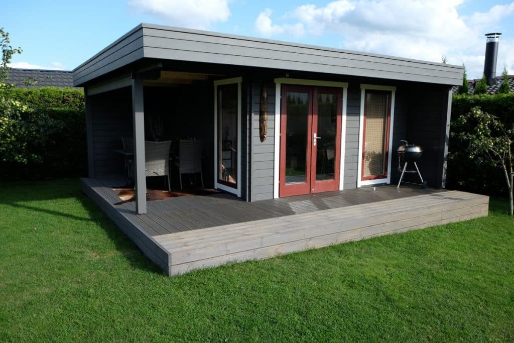 the hansa lounge xl garden room with extended sundeck summer house 24. Black Bedroom Furniture Sets. Home Design Ideas