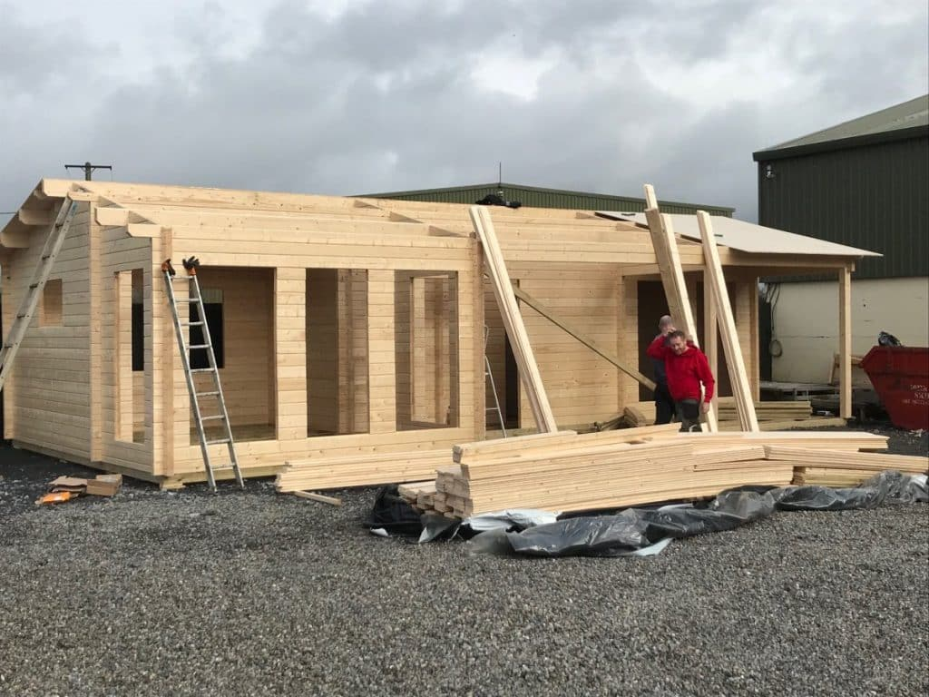 """Building a Two Bedroom Log Cabin """"The Hansa Holiday C"""""""