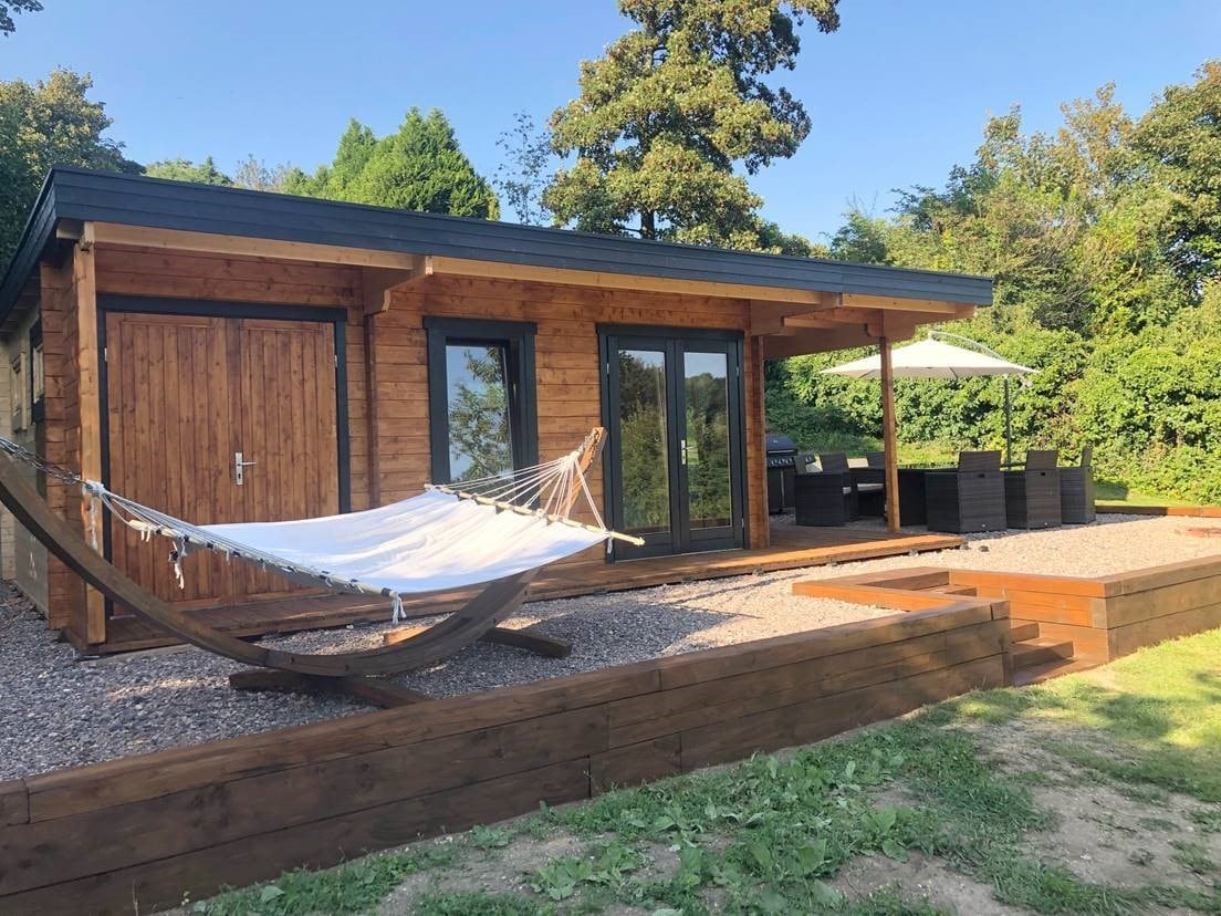 Customer photos of a Garden House Hansa Lounge XXL with Storage Room and Terrace