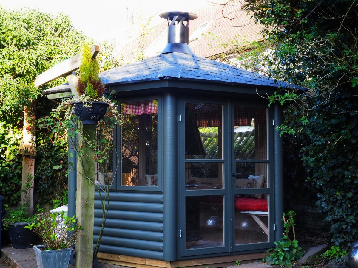 Seattle S BBQ hut - Assembled & Painted